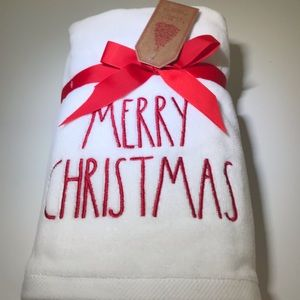 Rae Dunn MERRY CHRISTMAS Hand Towels Set